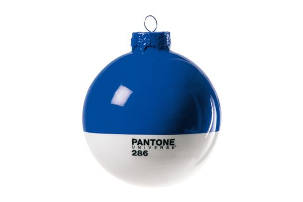 373pantone Christmas Baubles 2 374pantone 3