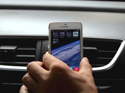 Custom Magnetic Vehicle Smartphone Holder